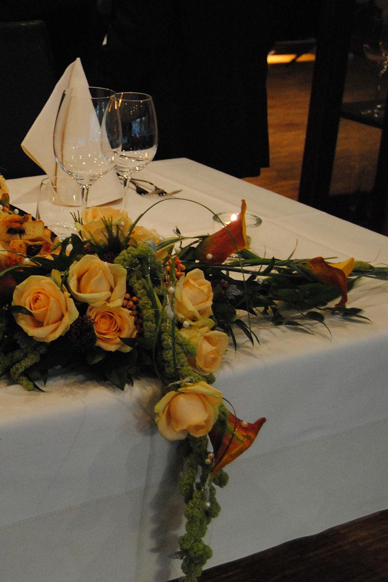 Tischdeko aus Blumen